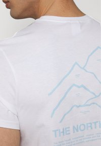 The North Face - PEAKS TEE - Print T-shirt - white - 3