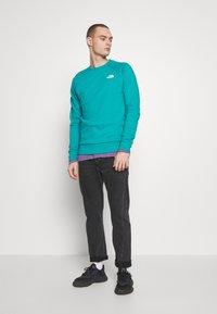 The North Face - RAGLAN BOX CREW - Sweatshirt - jaiden green - 1