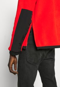 The North Face - DENALI ANORAK - Jersey con capucha - fiery red - 4