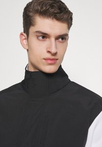 The North Face - GRAPHIC COLLECTION - Sweater - white/black - 3