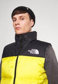 The North Face - 1996 RETRO NUPTSE VEST - Bodywarmer - lemon - 6