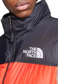 The North Face - 1996 RETRO NUPTSE VEST - Smanicato - fiery red - 5