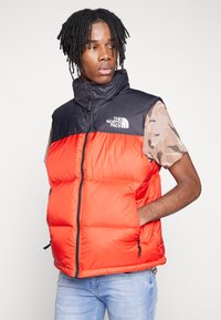 The North Face - 1996 RETRO NUPTSE VEST - Smanicato - fiery red - 0