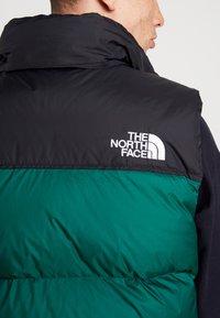 The North Face - 1996 RETRO NUPTSE VEST - Smanicato - night green - 4