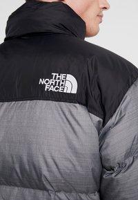The North Face - 1996 RETRO NUPTSE JACKET UNISEX - Piumino - medium grey heather - 4