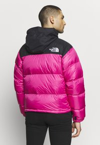 The North Face - 1996 RETRO NUPTSE JACKET - Piumino - pink - 2