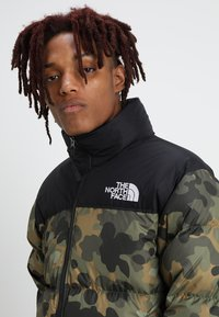 The North Face - 1996 RETRO NUPTSE JACKET - Untuvatakki - new taupe green macrofleck print - 6