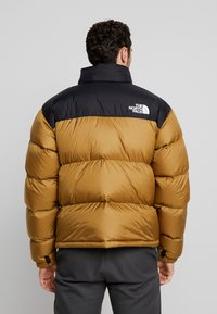 The North Face - 1996 RETRO NUPTSE JACKET UNISEX - Piumino - british khaki - 2