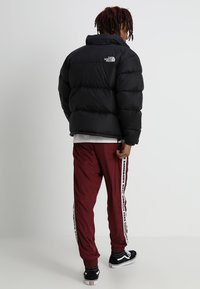 The North Face - 1996 RETRO NUPTSE JACKET - Down jacket - black - 2