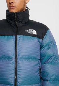 The North Face - 1996 RETRO NUPTSE JACKET UNISEX - Piumino - iridescent multi - 6