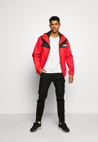 The North Face - M1990 MNTQ JKT - Blouson - fiery red - 1