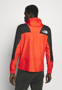The North Face - MOUNTAIN LIGHT WINDSHELL JACKET - Větrovka - fiery red/tnf black - 2
