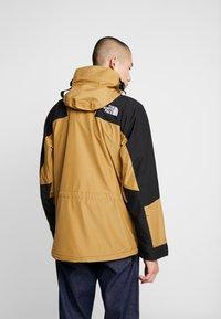 The North Face - RETRO MOUNTAIN LIGHT JACKET - Waterproof jacket - british khaki - 2