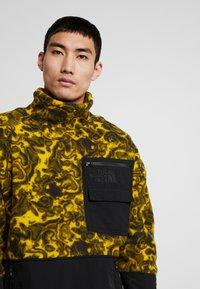 The North Face - RAGE CLASSIC  - Bluza z polaru - leopard yellow - 5