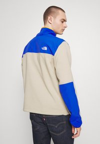 The North Face - GRAPHIC COLLECTION ZIP - Sweatshirt - twill beige/blue/flame orange - 2