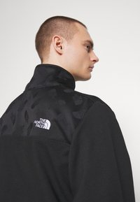 The North Face - GRAPHIC COLLECTION ZIP - Sweatshirt - black - 4