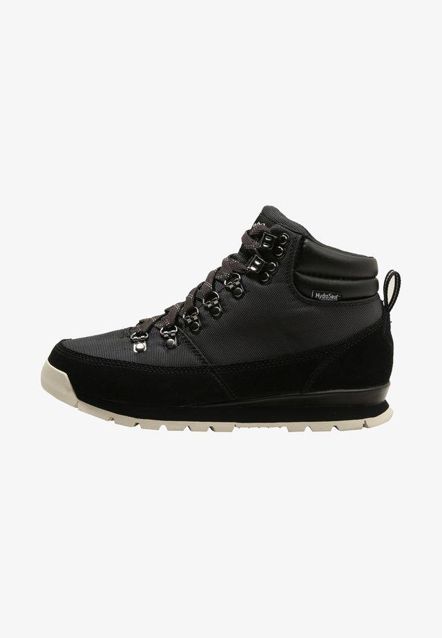 REDUX - Zapatillas de senderismo - tnf black/vinta