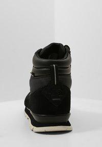 The North Face - REDUX - Trekingové boty - tnf black/vinta - 3
