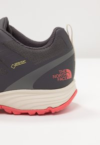 The North Face - VENTURE GTX  - Hiking shoes - blackened pearl - 5