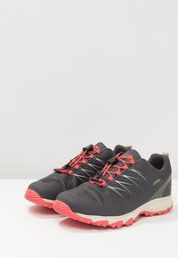 The North Face - VENTURE GTX  - Hiking shoes - blackened pearl - 2