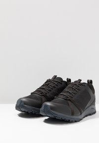 The North Face - LITEWAVE FP II GTX - Hiking shoes - black/ebony - 2