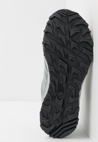 The North Face - WOMEN'S LITEWAVE FASTPACK II WP - Outdoorschoenen - griffin grey/dark shadow grey - 4