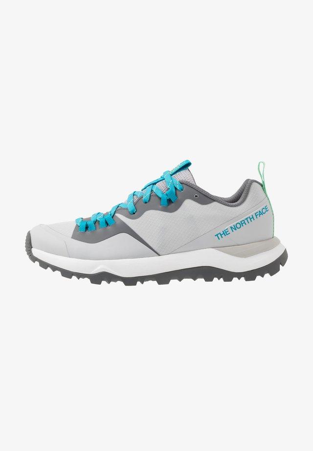 WOMEN'S ACTIVIST LITE - Obuwie hikingowe - micro chip grey/zinc grey
