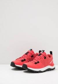 The North Face - WOMEN'S ACTIVIST LITE - Hiking shoes - cayenne red/black - 2