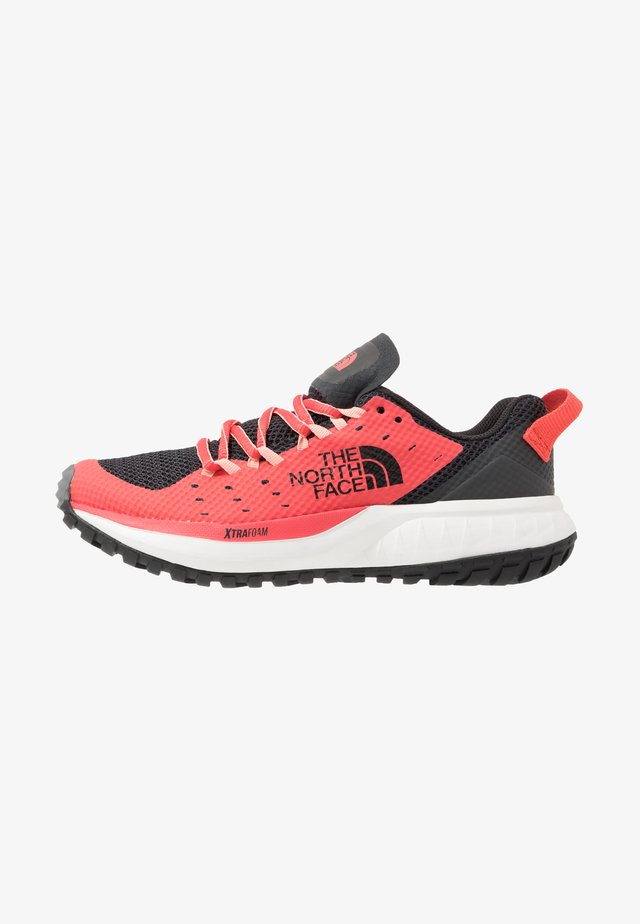 WOMEN'S ULTRA ENDURANCE XF - Obuwie hikingowe - asphalt grey/cayenne red