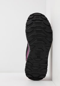 The North Face - W ACTIVIST FUTURELIGHT - Outdoorschoenen - black/pink - 4