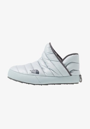 TRACTION BOOTIE SHINY FROST - Vinterstøvler - high rise grey/zinc grey