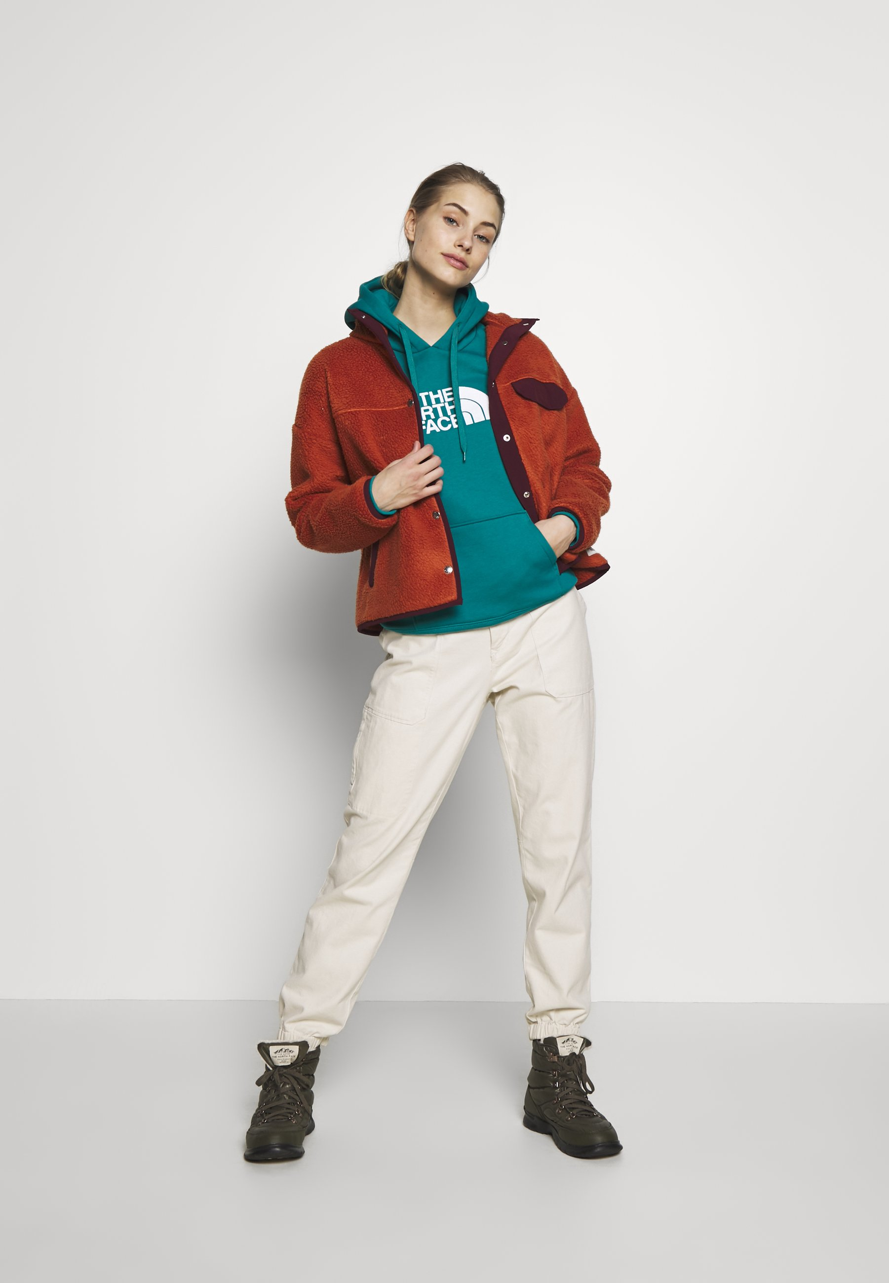 The North Face Women's Drew Peak Pullover Hoodie - Fanfare Green