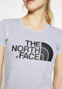 The North Face - WOMENS EASY TEE - T-shirt z nadrukiem - light grey - 5