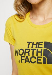 The North Face - WOMENS EASY TEE - T-shirt print - bamboo yellow - 4