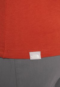 The North Face - WOMENS EASY TEE - T-Shirt print - picante red - 5