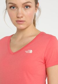 The North Face - SIMPLE DOME TEE - T-shirt basic - spiced coral - 5