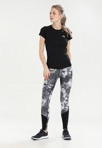 The North Face - WOMENS FLEX - T-Shirt basic - black - 1