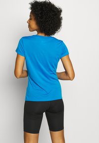 The North Face - WOMENS REAXION CREW - Basic T-shirt - clear lake blue heather - 2
