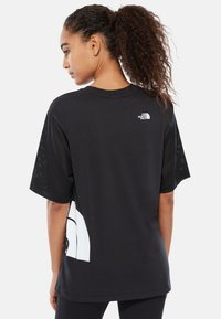 The North Face - W LIGHT S/S TEE - Print T-shirt - black - 1