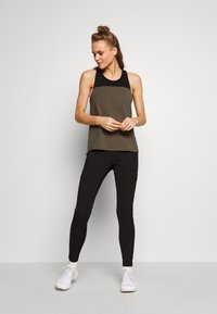 The North Face - WOMENS NORTH DOME TANK - Topper - new taupe green/black - 1