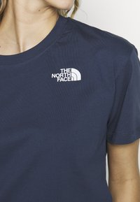 The North Face - CROPPED SIMPLE DOME TEE - T-shirts med print - blue wing teal - 4