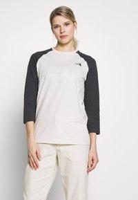 The North Face - WOMENS CORREIA TEE - Langarmshirt - vintage white - 0