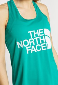 The North Face - WOMENS GRAPHIC PLAY HARD TANK - Treningsskjorter - jaiden green - 5