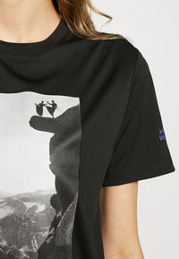 The North Face - WOMAN DAY TEE - T-Shirt print - black - 4