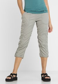 The North Face - APHRODITE CAPRI - Friluftsshorts - silt grey - 0