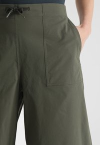 The North Face - SIGHTSEER CULOTTE  - Friluftsbukser - new taupe green - 4