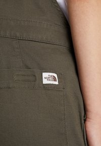 The North Face - MOESER OVERALL - Bukse - new taupe green - 4