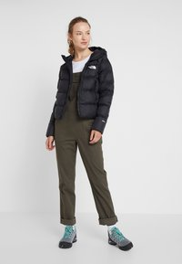 The North Face - MOESER OVERALL - Bukse - new taupe green - 1
