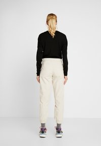 The North Face - MOESER JOGGER - Trousers - vintage white - 2
