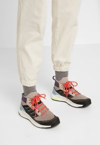 The North Face - MOESER JOGGER - Trousers - vintage white - 5